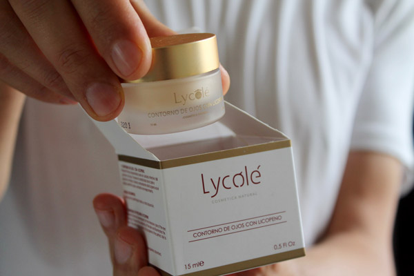 Lycolé - Contorno de Ojos con licopeno con su caja - Cosmética Natural de Licopeno